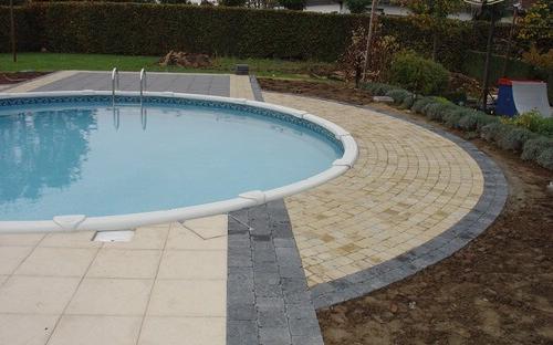 Vogue zwembad rond ingebouwd aquacenter hoveniertje wellen for Zwembad houtlook